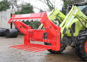 Bale Cutter with Wrap Catcher